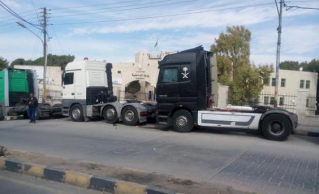 الكرك : اصحاب الشاحنات يشكون الركود
