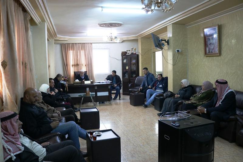 استشاري بلدية كفرنجه يناقش عدد من المطالب