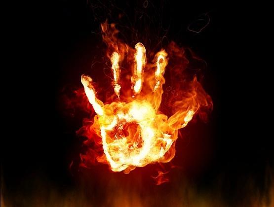 شاب يحرق شقيقه في اربد