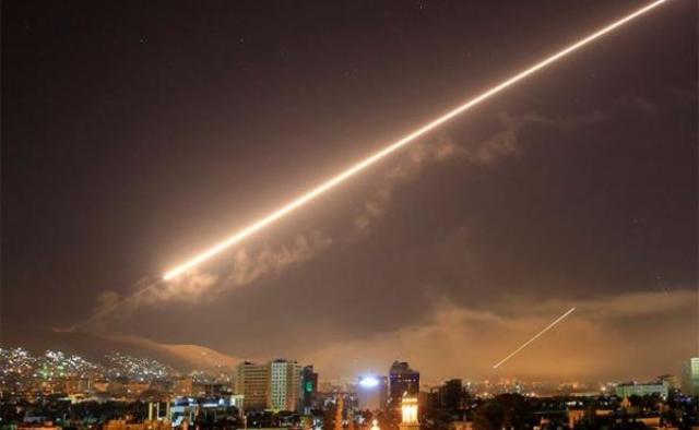 سوريا تجابه صواريخ إسرائيلية